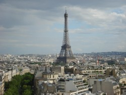 Eiffel tower renovation includes wind turbines